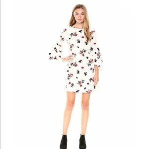 NWT Kensie Floral Bell Sleeve Dress